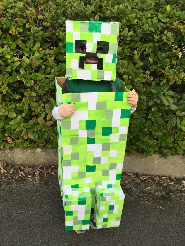 Green Halloween 022